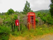 Englische Telefonkabine stockfotos