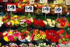 Englischer Blumenströmungsabriß lizenzfreie stockbilder