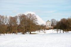 Englischer Garten i vinter Fotografering för Bildbyråer