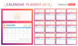 Englischer Kalenderplaner für Jahr 2018, Wochenanfang Sonntag Stockbilder