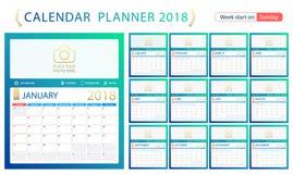 Englischer Kalenderplaner für Jahr 2018, Wochenanfang Sonntag Satz von 12 Monaten, Unternehmenssymbolplanerschablone, Größe A4 Lizenzfreie Stockfotos