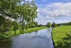 Englischer Landschaft-Fluss Lizenzfreies Stockfoto