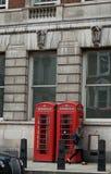 Englischer Telefonkasten Stockfotos