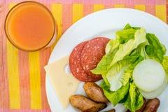 Englisches Frühstück in der niedrigen Schärfentiefe stockfoto