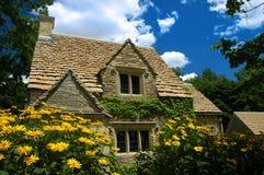 Englisches Häuschen Stockfotografie