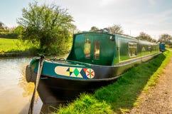 Englisches Haus-Boot - alternative Ferien lizenzfreie stockfotografie