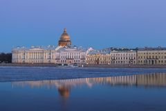 English Embankment and Saint Isaac's Cathedral, St. Petersburg a Royalty Free Stock Photos