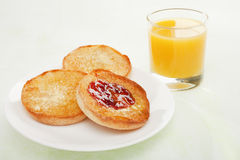 English Muffin with Jam and Orange Juice Royalty Free Stock Photo