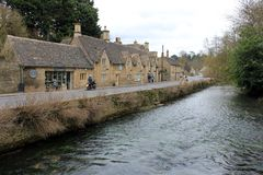 English rural village with river landscape Royalty Free Stock Photos