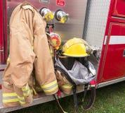 Engranaje del bombero imagenes de archivo