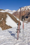 Engranaje del esquí (vertical) Fotografía de archivo