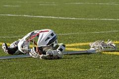 Engranaje del lacrosse de los muchachos Fotografía de archivo