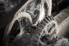 Engranaje polvoriento viejo del metal Fotografía de archivo libre de regalías