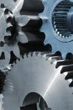 Engranajes azules del titanio y del acero Fotografía de archivo libre de regalías