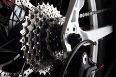 Engranajes de la bicicleta y derailleur trasero Fotografía de archivo libre de regalías