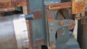 Engranajes del viejo mecanismo almacen de metraje de vídeo