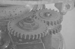 Engranajes fascinadores del metal Fotos de archivo libres de regalías