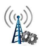 Engranajes industriales sobre una torre del wifi Fotos de archivo libres de regalías
