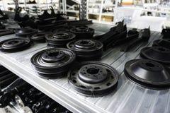 Engranajes mecánicos en metal en casa de la tienda foto de archivo libre de regalías