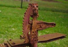 Engrenagem da maquinaria de exploração agrícola completamente da oxidação fotografia de stock