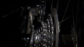 Engrenagens de giro da bicicleta com deslocamento chain video estoque