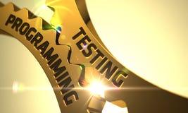 Engrenagens douradas da roda denteada com conceito da programação de testes 3d Fotos de Stock Royalty Free