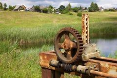 Engrenagens e rodas denteadas oxidadas velhas Fotografia de Stock Royalty Free