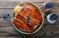 A enguia japonesa grelhou com arroz ou Unagi don imagem de stock royalty free