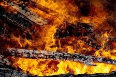 Engulfing пожар пламен Стоковое Изображение RF