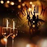 Enhorabuena del Año Nuevo con champán Fotografía de archivo libre de regalías
