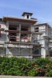 Enig familiehuis in aanbouw Stock Afbeeldingen