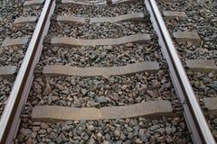 Enig spoorwegspoor tussen het hol Rijn en Bodegraven van Alphen aan die door partij van vertraging wordt gekend stock afbeelding