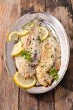 Enige die vissen met kruid worden gekookt royalty-vrije stock foto's