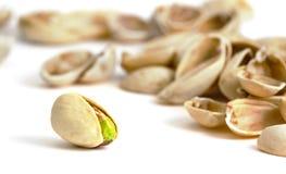 Enige pistache met lege shells Stock Afbeeldingen