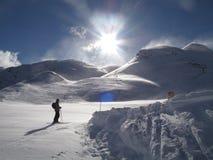 Enige skiër in een sneeuwstorm Royalty-vrije Stock Foto