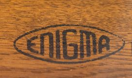 Enigma-Machineembleem stock foto's