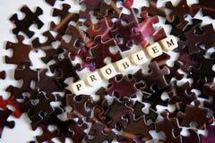 Enigmas de montagem Resolvendo problemas complexos Oportunidades fora da situação do problema imagem de stock