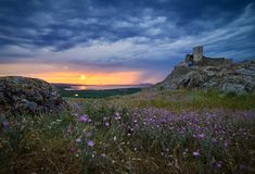 Enisala-Festung bei Sonnenuntergang, Dobrogea, Rumänien Stockbild
