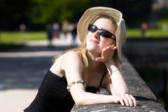 enjoy hat sun woman young Στοκ φωτογραφία με δικαίωμα ελεύθερης χρήσης