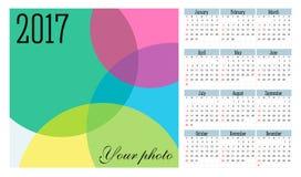 Enkel 2017 år vektorkalender Fotografering för Bildbyråer