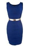 Enkel blåttklänning med det guld- bältet Royaltyfria Bilder