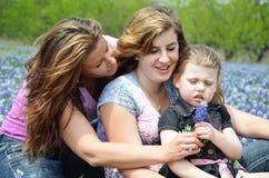 Enkel mamma med döttrar Arkivbilder