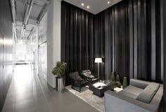 Enkel och stilfull kontorsmiljö Arkivfoton