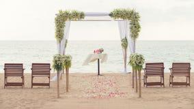 Enkel stilbröllopbåge Royaltyfria Bilder