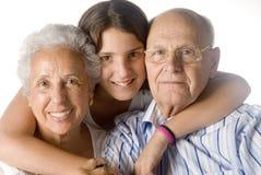 Enkelin, die ihr GR umfaßt Lizenzfreie Stockbilder