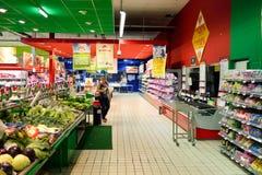 Enkelt marknadssupermarketinre Arkivfoton