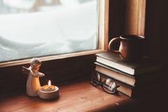 Enkelt wnterbegrepp av fönsterfönsterbrädan Royaltyfri Fotografi