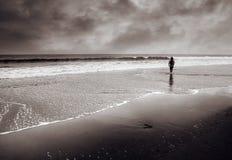 enkla för kustlinjeman går Fotografering för Bildbyråer