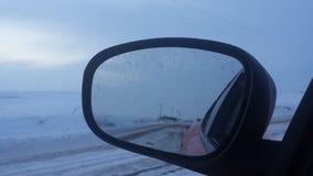 Enkla snöig däckspår - stående Arkivfoto