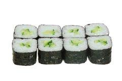 Enkla sushirullar med ris och gurkan arkivfoto